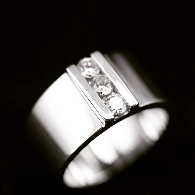 bague diamant bordeaux